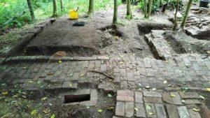 Mausoleum cottage dig 2016 (2) comp