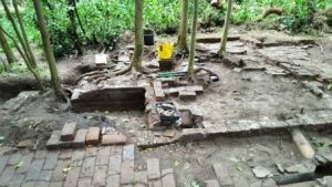 Mausoleum cottage dig 2016 (3) comp